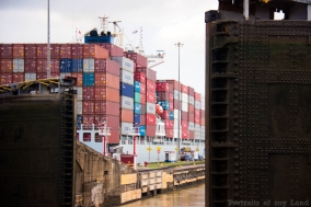 Portraits-of-my-Land-Panama-Canal-Doors-Opening