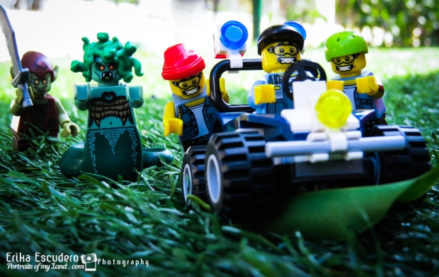 "<img scr=""URL de la imagen"" alt=""Lego Photowalk 2015""/>"